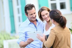 Vendre son bien : effacez vous pour laisser l'agent immobilier travailler